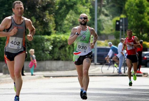 Cristian in azione a Gussago. Foto by Enry del Brescia Marathon